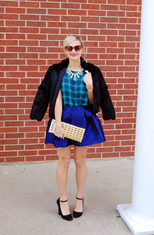 skirt-top-holiday-outfit