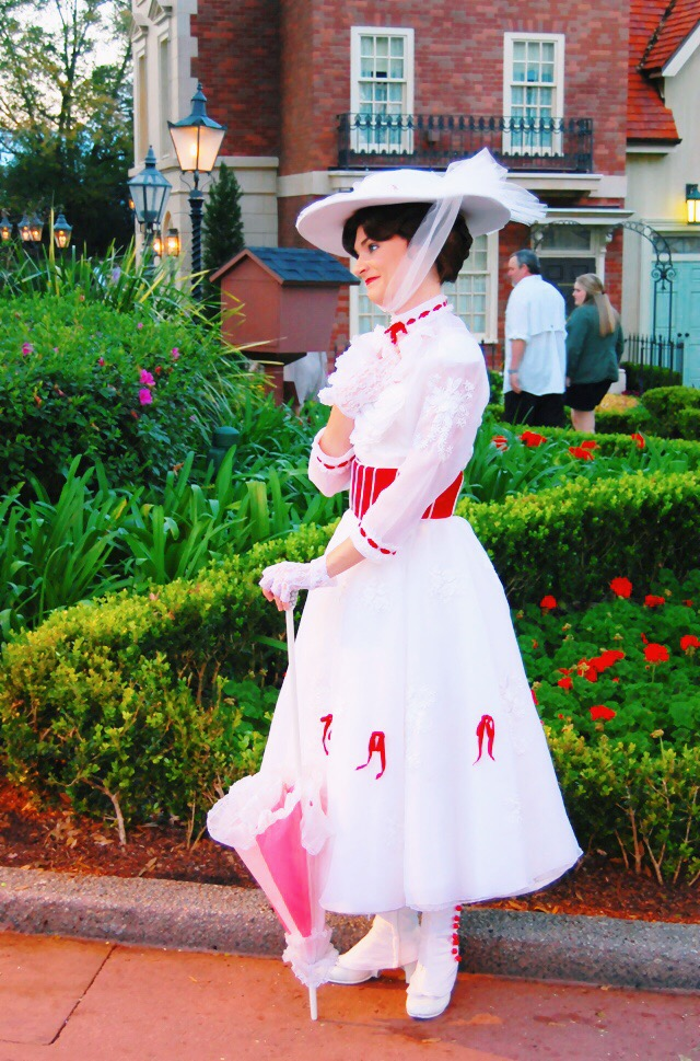 mary-poppins-character-epcot