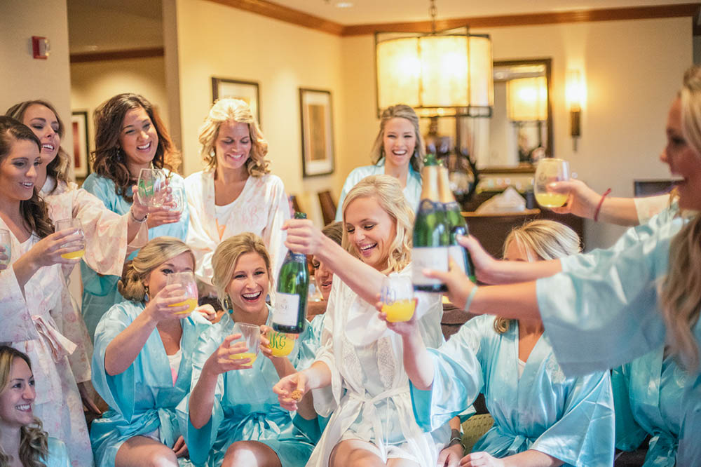 lauren-vandiver-cole-green-wedding-dallas-texas-weddings-vandi-fair-blog-fashion-bridal-blogger-new-years-eve-nye-cinderella-disney-vandigoesgreen-champagne-toast