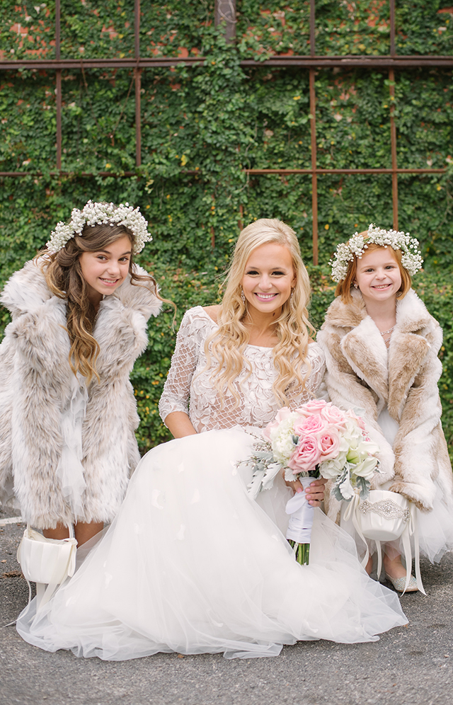 lauren-vandiver-cole-green-wedding-dallas-texas-weddings-vandi-fair-blog-fashion-bridal-blogger-new-years-eve-nye-cinderella-disney-vandigoesgreen-flower-girls
