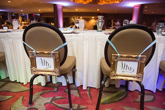 lauren-vandiver-cole-green-wedding-dallas-texas-weddings-vandi-fair-blog-fashion-bridal-blogger-new-years-eve-nye-cinderella-disney-vandigoesgreen-mr-mrs-chair-signs