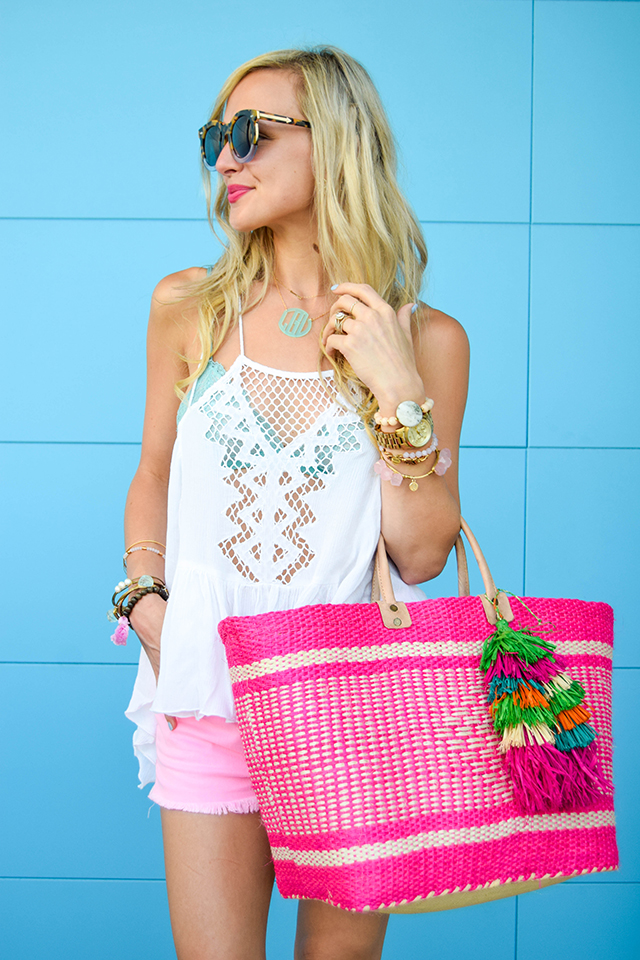 vandi-fair-blog-lauren-vandiver-dallas-texas-fashion-blogger-hudson-jeans-tori-hot-pink-high-rise-denim-cut-off-shorts-nordstrom-ripcurl-vagabond-white-tank-mar-y-sol-ibiza-woven-tote