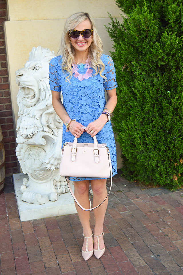 vandi-fair-blog-lauren-vandiver-dallas-texas-fashion-blogger-nordstrom-wear-to-work-felicity-and-coco-lace-shift-dress-blue-periwinkle-baublebar-seaglass-bib-necklace-12