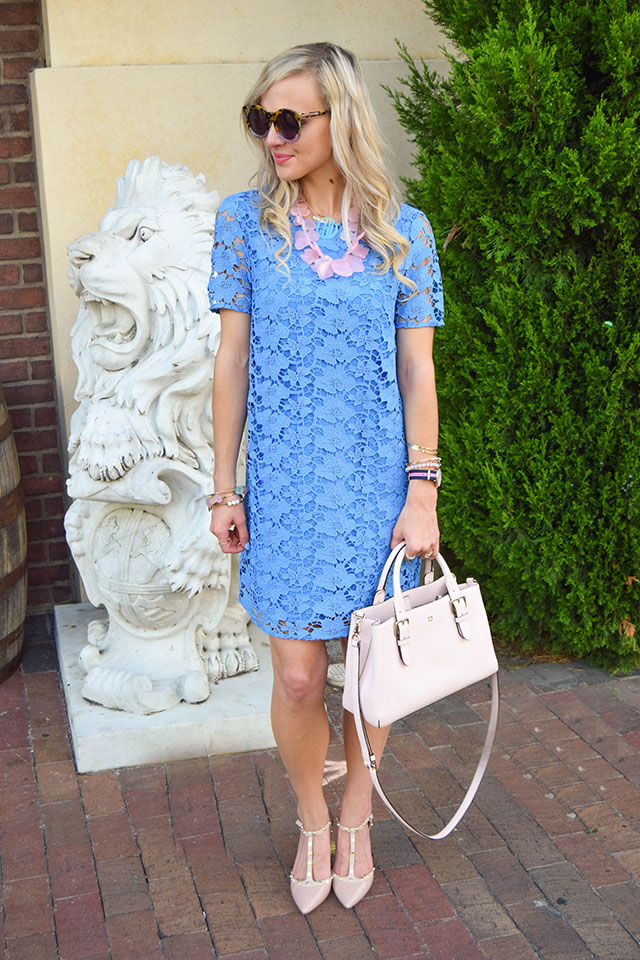 vandi-fair-blog-lauren-vandiver-dallas-texas-fashion-blogger-nordstrom-wear-to-work-felicity-and-coco-lace-shift-dress-blue-periwinkle-baublebar-seaglass-bib-necklace