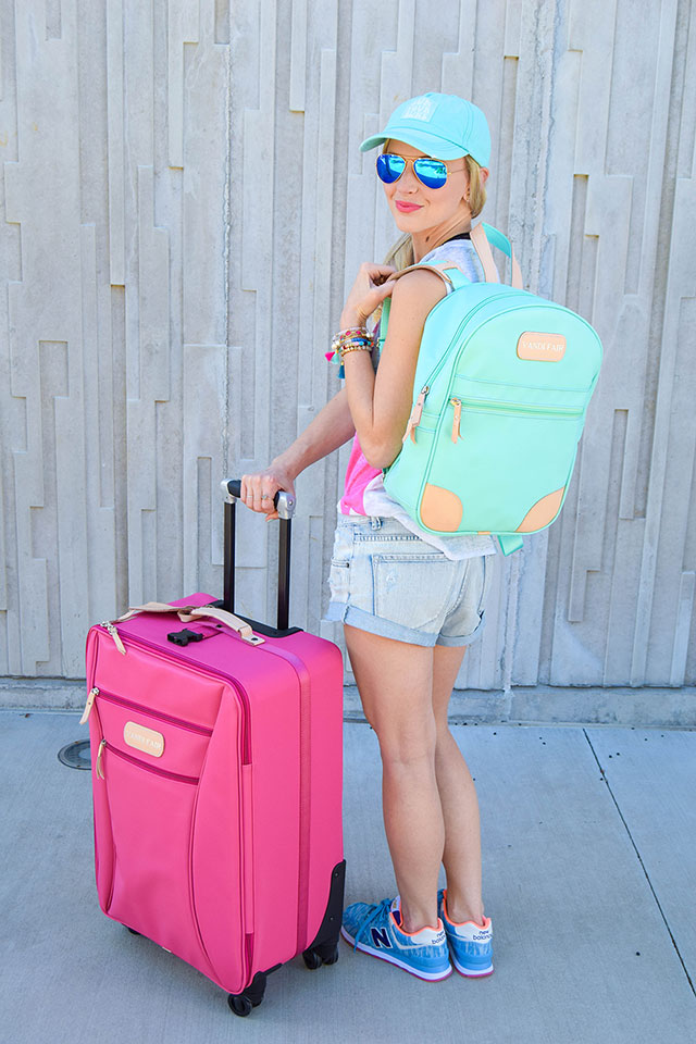 vandi-fair-blog-lauren-vandiver-dallas-texas-southern-fashion-blogger-jon-hart-designs-360-large-wheels-pink-suitcase-custom-monogram-luggage-tag-back-pack-mint-green-9
