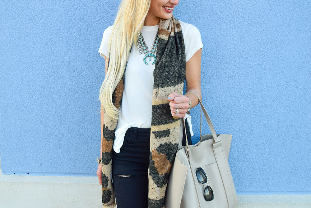 vandi-fair-blog-lauren-vandiver-dallas-texas-southern-fashion-blogger-nordstrom-anniversary-sale-BP-high-lowstretch-knit-white-tee-destroyed-black-skinny-jeans-7