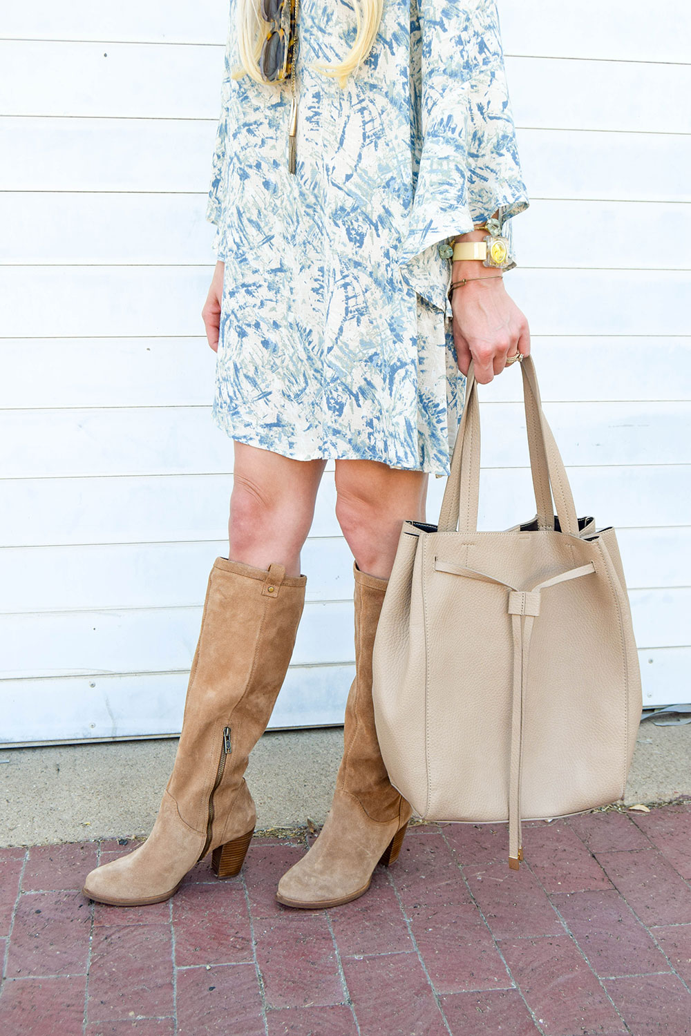 vandi-fair-dallas-fashion-blog-lauren-vandiver-southern-blogger-lush-whitney-bell-sleeve-woven-shift-dress-open-back-ugg-ava-tall-water-resistant-suede-boot-chestnut-1