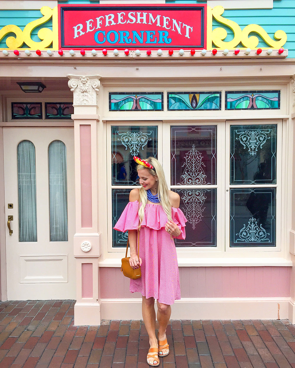 vandi-fair-blog-lauren-vandiver-dallas-texas-southern-fashion-travel-blogger-our-california-adventure-road-trip-disneyland-main-street-chicwish-gingham-ruffle-dress