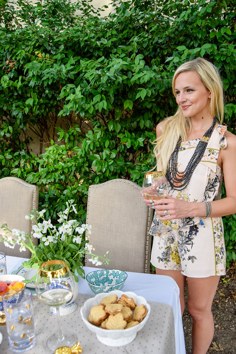 vandi-fair-blog-lauren-vandiver-dallas-texas-southern-fashion-lifestyle-blogger-noonday-collection-jewelry-hosting-a-sweet-weekend-gathering-hostess-outdoor-backyard-party