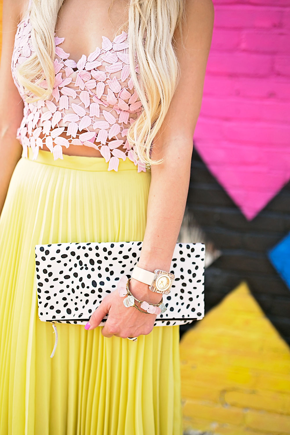vandi-fair-dallas-fashion-blog-lauren-vandiver-southern-texas-travel-blogger-color-colorful-nordstrom-topshop-chiffon-pleated-midi-skirt-neon-yellow-bardot-flora-lace-crop-top-2