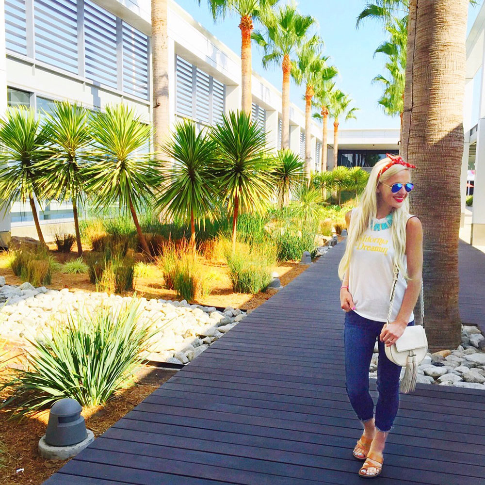 vandi-fair-dallas-fashion-blog-lauren-vandiver-southern-texas-travel-blogger-visit-long-beach-airport-outfit