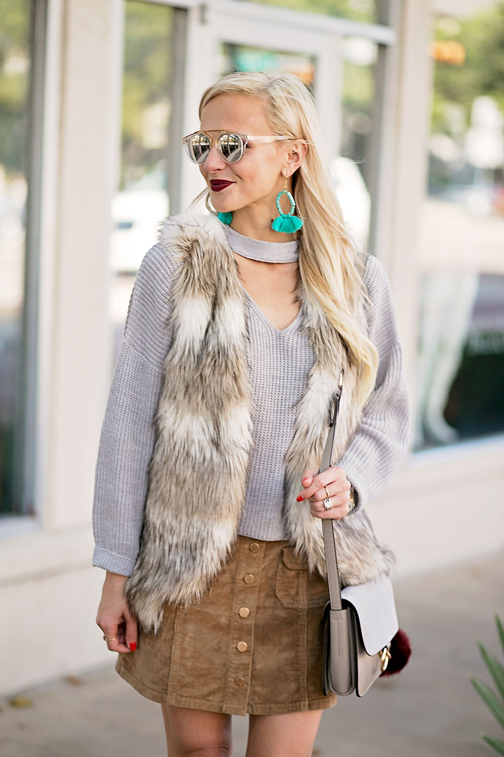 faux-fur-vest-sweater-skirt-fall-outfit