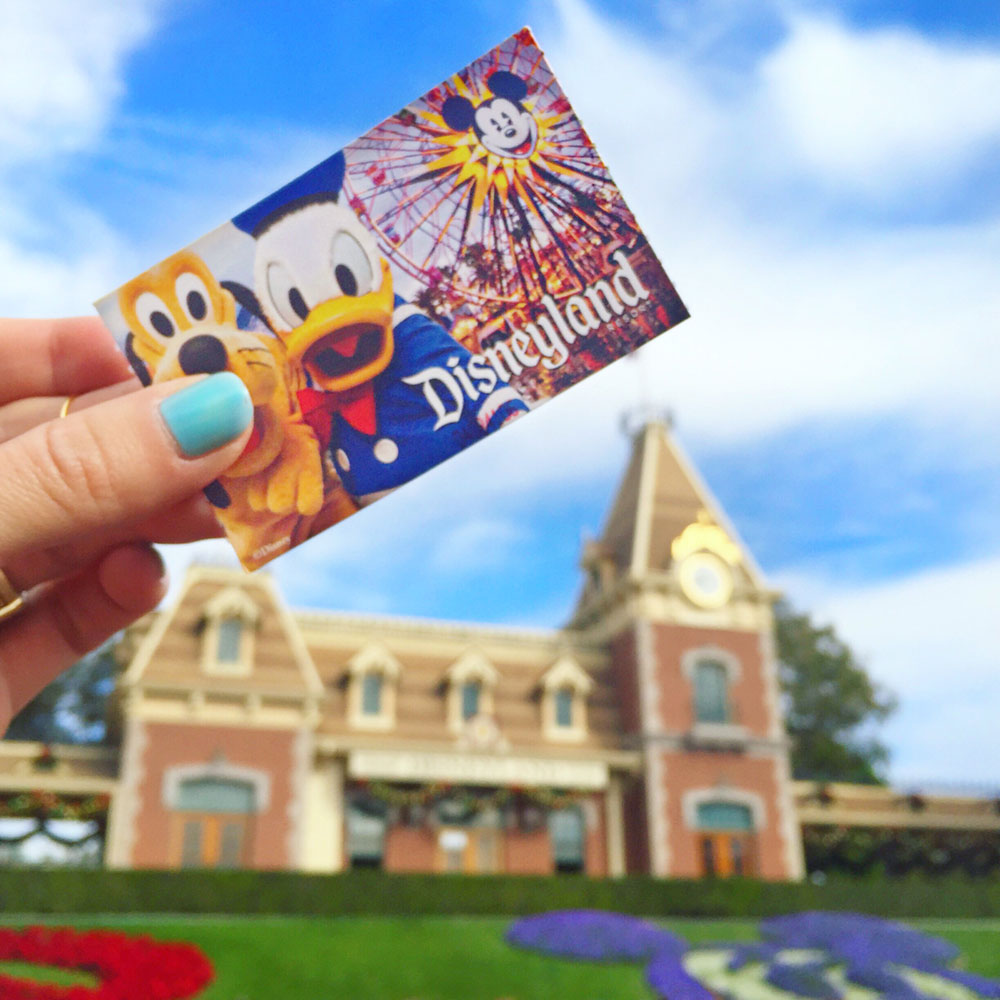 disneyland-ticket-entry-way