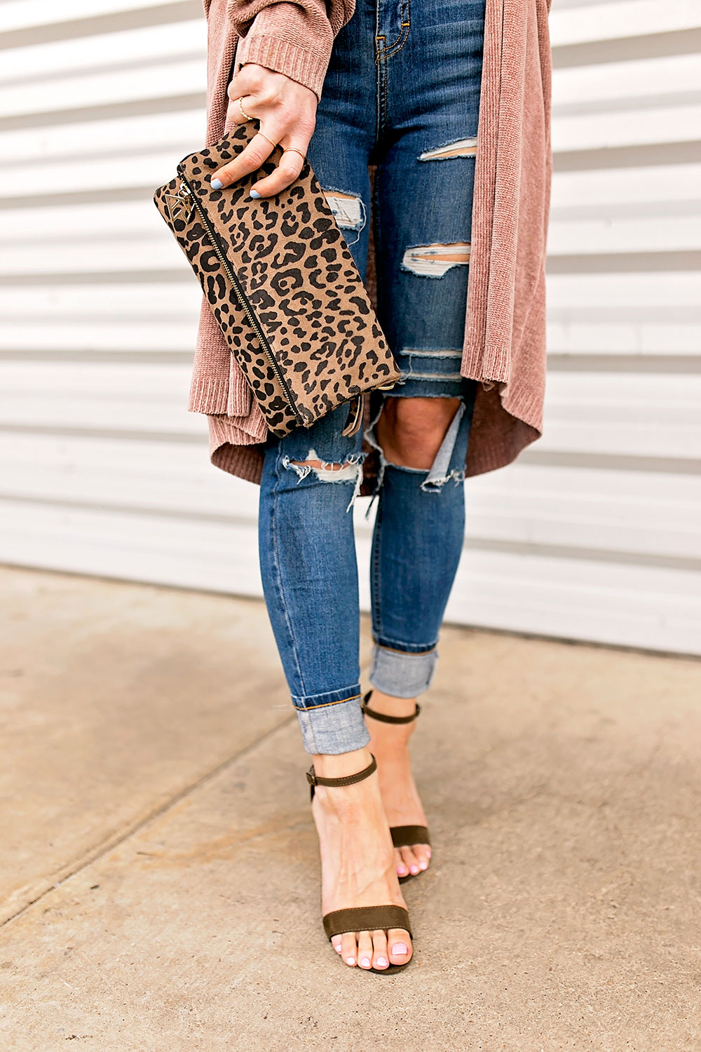 skinny-jeans-and-ankle-sandals