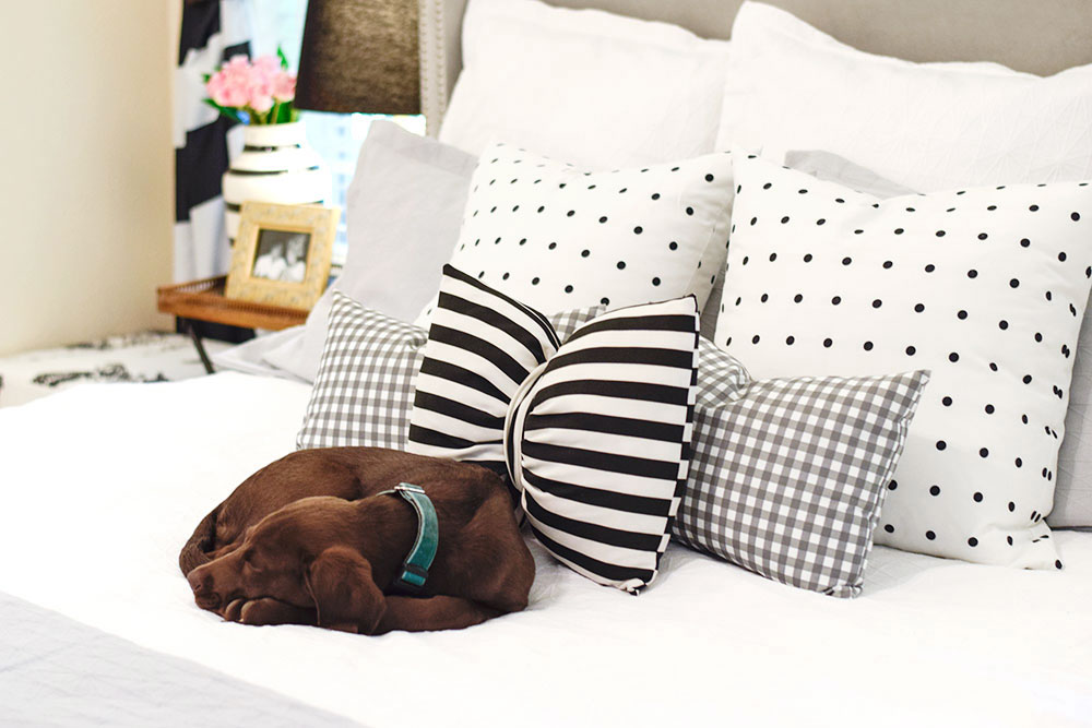 grey-and-white-gingham-throw-pillows-bed