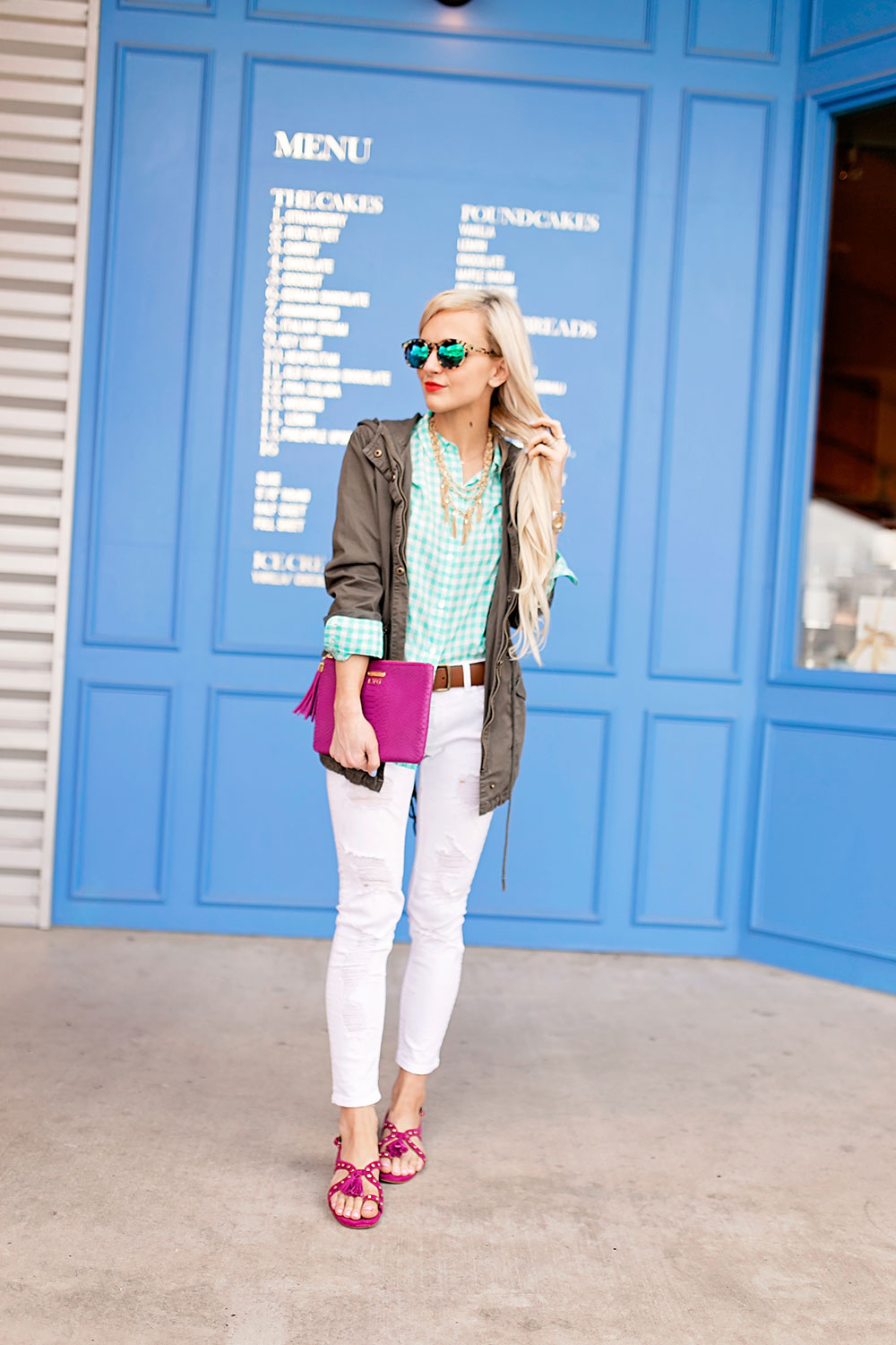 j-crew-blue-gingham-button-up-white-skinny-jeans-outfit