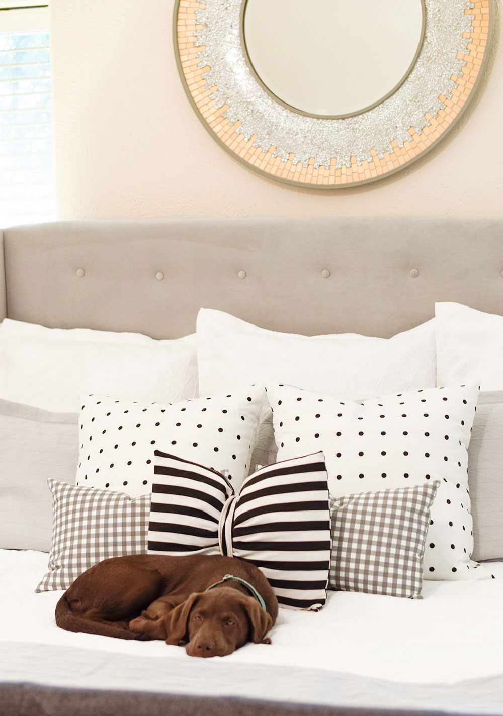 white-and-grey-unison-home-bedding