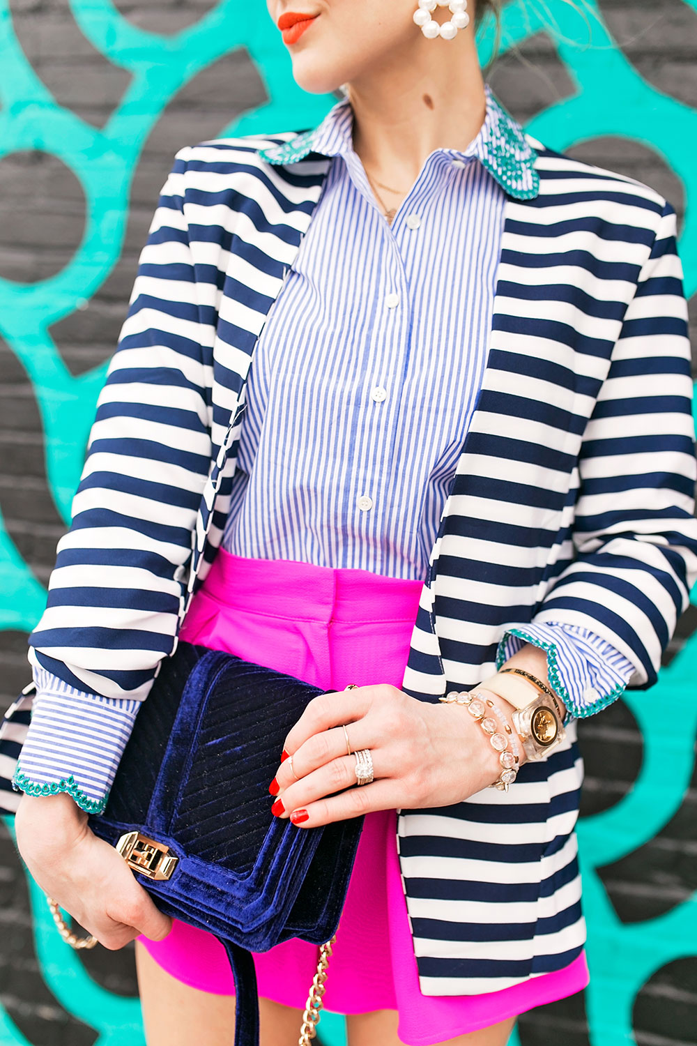 hot-pink-and-navy-spring-outfit