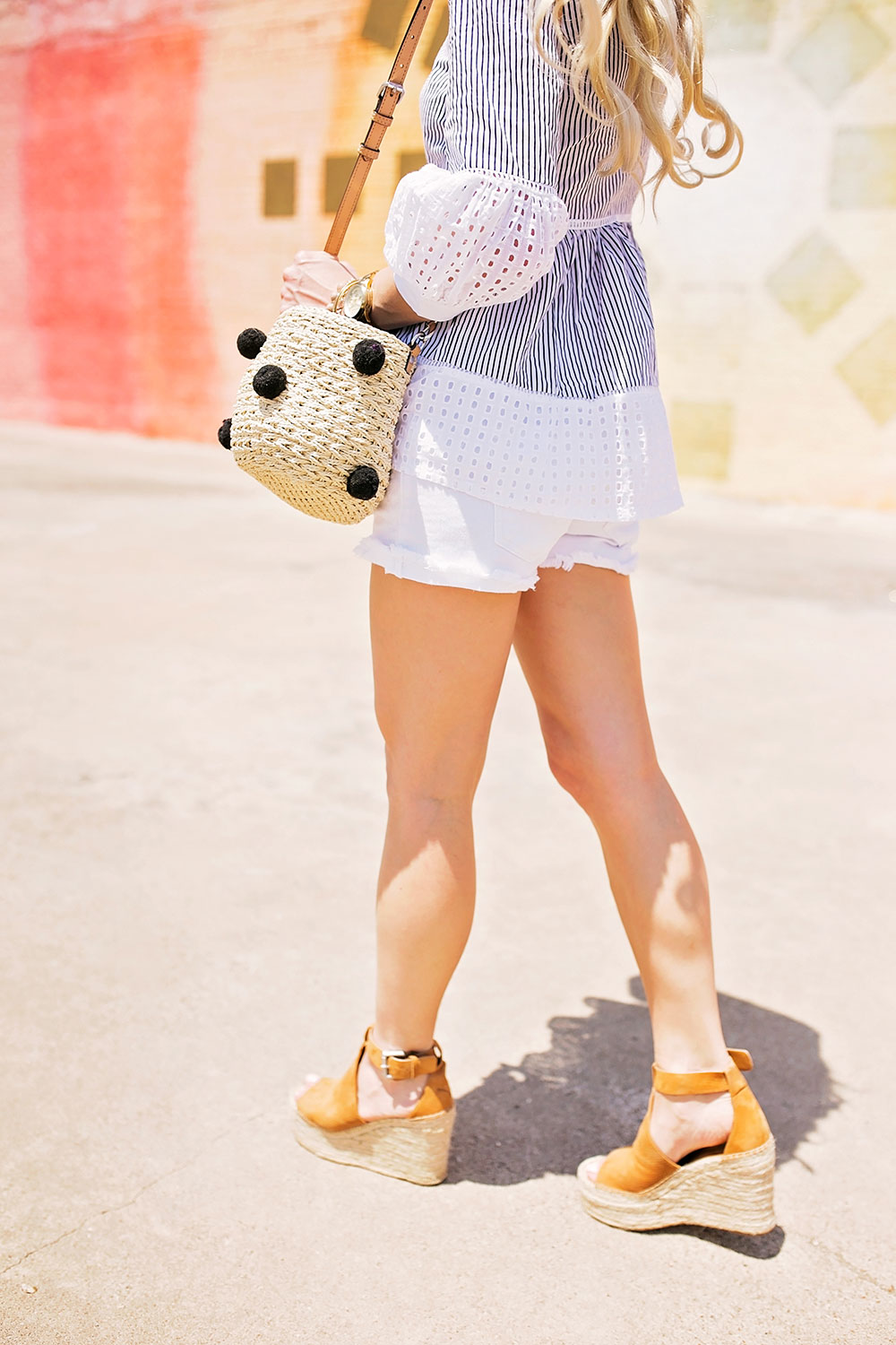 shorts and wedges outfit
