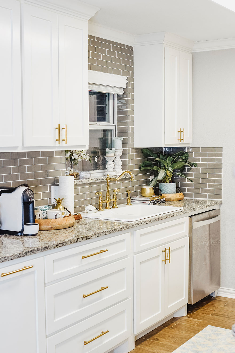 Our Kitchen Sink Woes + Our Small Kitchen Reveal   Vandi Fair