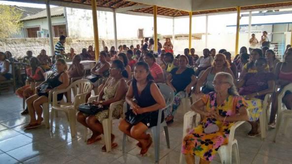 Mulheres de Bequimão durante palestra no segundo dia da Carreta da Mulher Maranhense