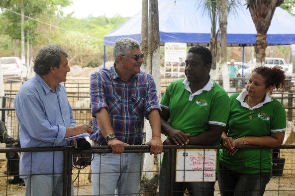 é Martins ao lado do Radialista Paulinho Castro e do ex-prefeito Iran Monteiro (Central -MA)