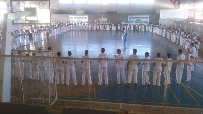 Mais de 200 capoeiristas de mais de 10 cidades participaram do evento.