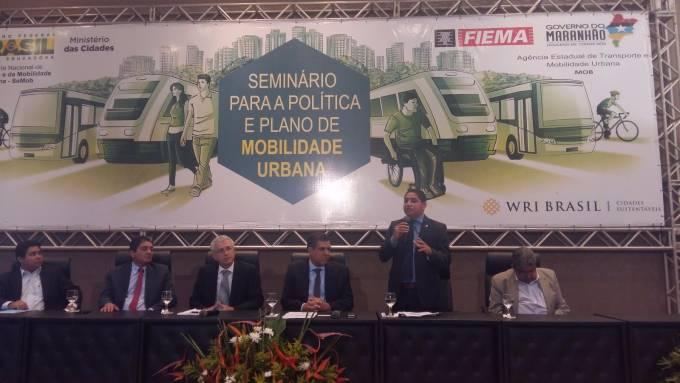 O deputado Zé Inácio destaca a importância do projeto de Lei do Bilhete Único no processo de mobilização urbana.