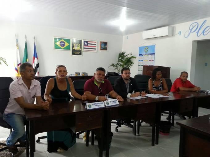 Vereadores Adalberto Martins (PR), Jean Reis (PR) e Telma Penha (PSC), acompanharam as orientações dadas pelo advogado.