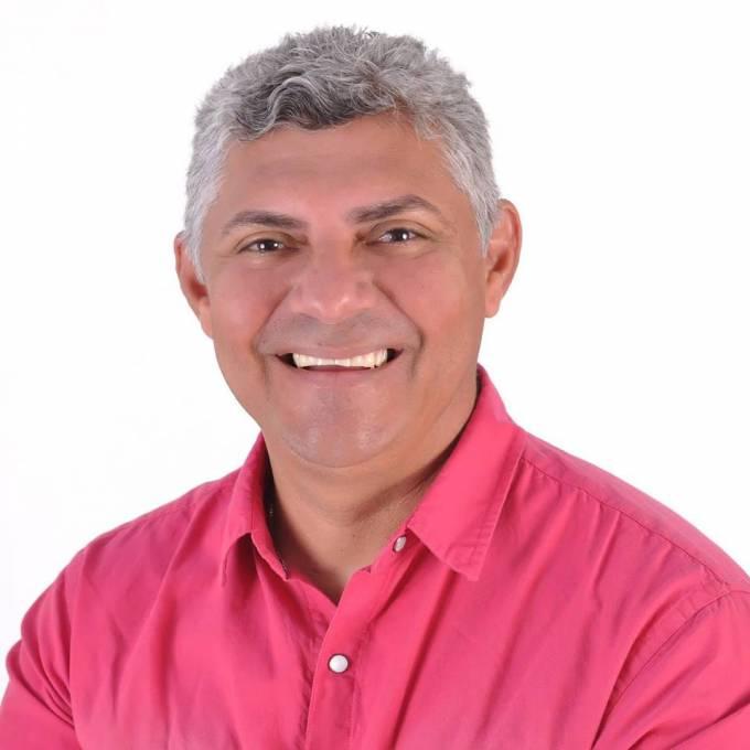 Prefeito de Bequimão, Zé Martins (PMDB).