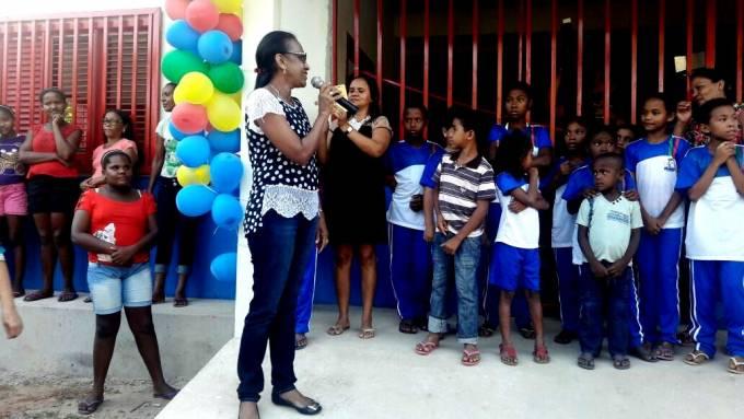 Secretaria de Educação do município, Socorro Lima, agradeceu o prefeito Filuca e pediu zelo pelo prédio.