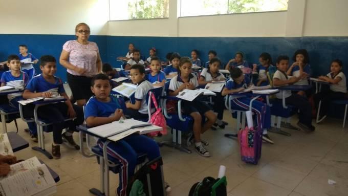 Escola Municipal Agostinho Ramalho Marques em pleno funcionamento.