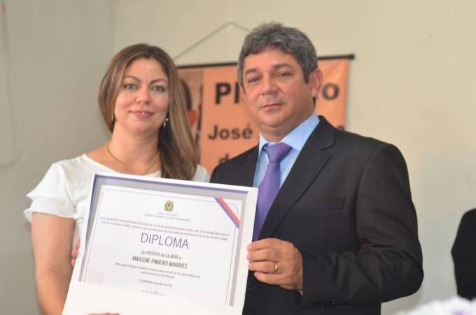 Cleane Marques, primeira Dama do municipio, ao lado do marido, prefeito Diplomado Dr Marcone
