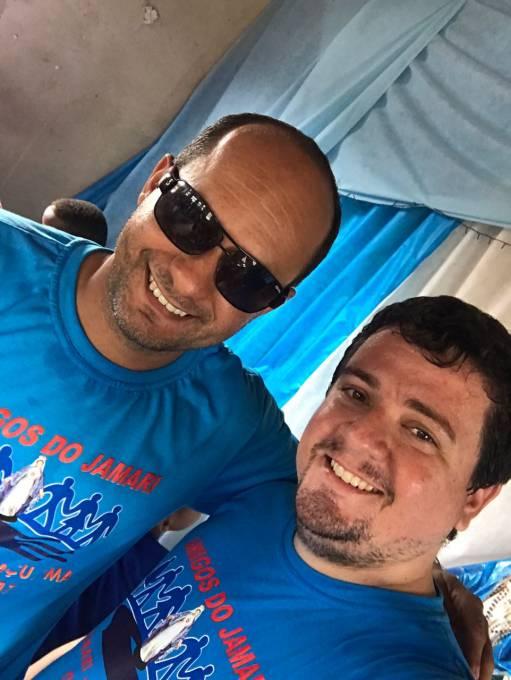 Rodrigo e o amigo Carlos Roxo na Ação de Jamari dos Pretos.