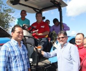 Weverton entrega patrulha agrícola em Belágua