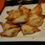 Samoussas à la viande hachée et aux petits légumes