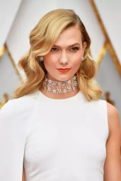 oscars-2017-karlie-kloss-gettyimages-645630208_article_gallery_portrait