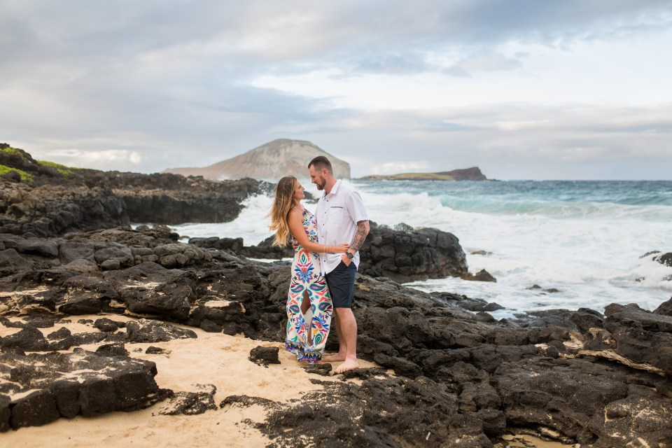 hawaii beach engagement session