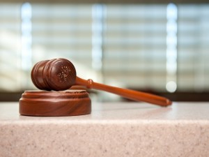 Gavel at court
