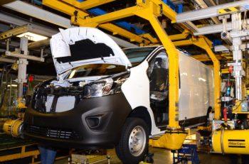 Vauxhall Luton Plant - Vivaro Production, March 2016