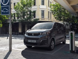 Peugeot e-Traveller electric van supports charging rates up to 100kW, allowing for 0-80% in 30 minutes