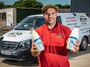 Smithills Open Farm has bought five Approved Used Mercedes-Benz vans to meet demand