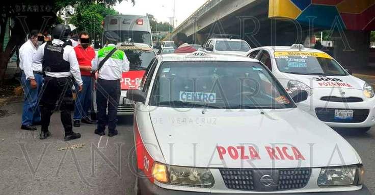 Lesionadas-en-colisión-de-taxis,-en-Poza-Rica-1