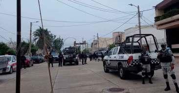 Protesta-frente-a-las-oficinas-del-Consejo-Municipal-del-OPLE(5)