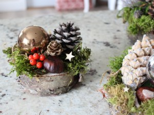 Small Christmas Tablecentre with holly