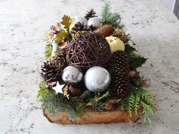 Wood Slab Holiday Arrangement