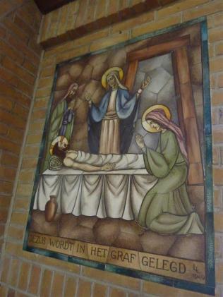 Lambert Lourijsen Zandvoort | Veertiende statie van de kruisweg (1949) in de Agathakerk te Zandvoort. bvhh.nu 2014.