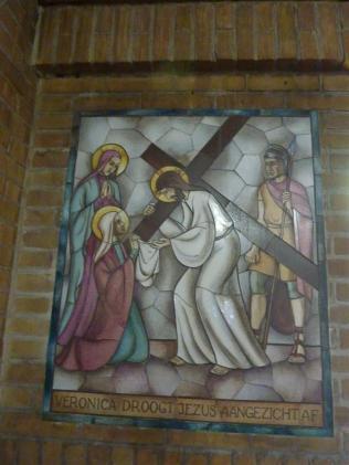 Lambert Lourijsen Zandvoort   Vierde statie van de kruisweg (1949) in de Agathakerk te Zandvoort. bvhh.nu 2014.