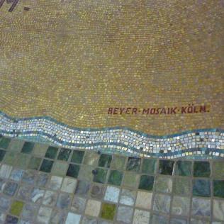 Lambert Lourijsen Zandvoort   Naam van de maker van het mozaïek van de Calvariegroep (1928) in de Agathakerk te Zandvoort. bvhh.nu 2014.
