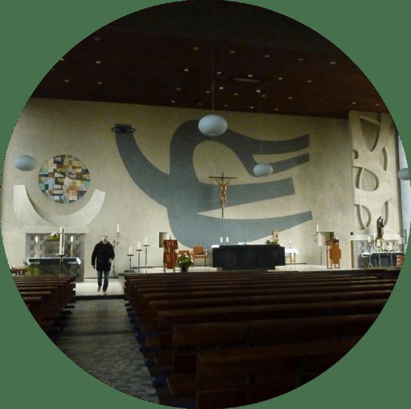 Het liturgisch centrum van de O.L. Vrouw van Prinsenbeek van de architecten Cees Geenen en Leo Oskamp (1961-1963). Foto bvhh.nu 2016